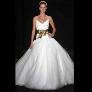 Monique Lhuillier coveted Swan Lake wedding gown